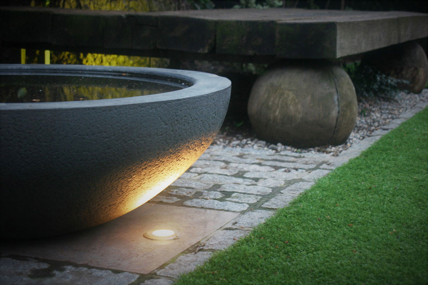 City Retreat Garden London. Lighting detail. Rae Wilkinson Garden and Landscape Design - Garden Designer Sussex, Surrey, London, South-East England
